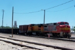 BNSF 548 and BNSF 547