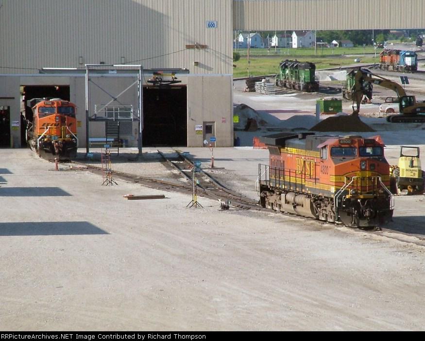 BNSF 4800 & 7769