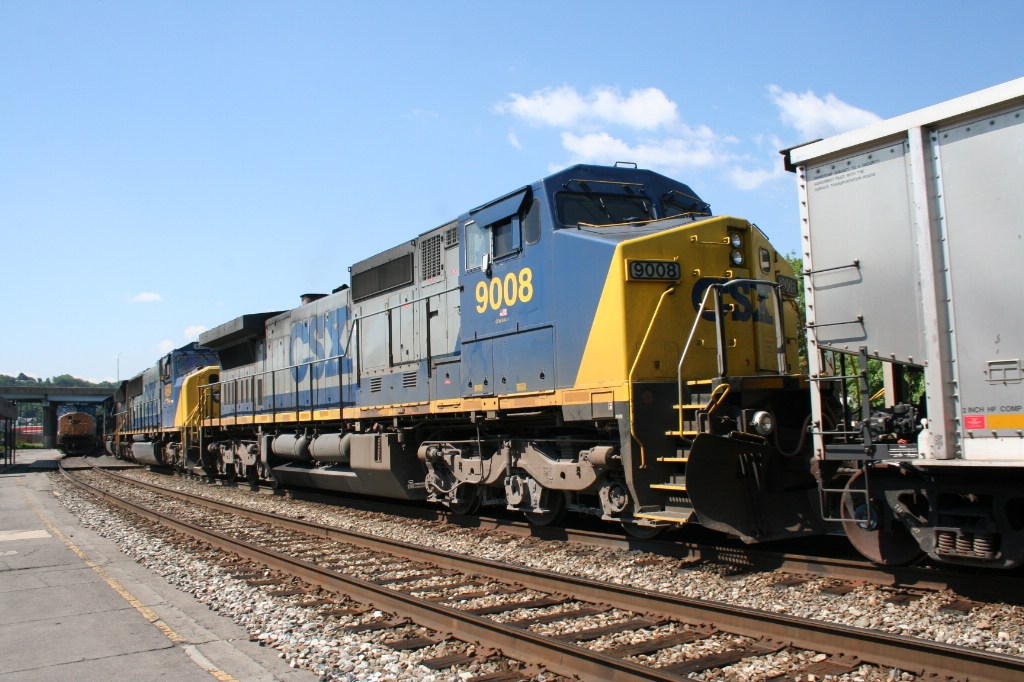 Front of CSX 9008