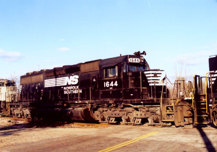 NS 1644 on a coal train
