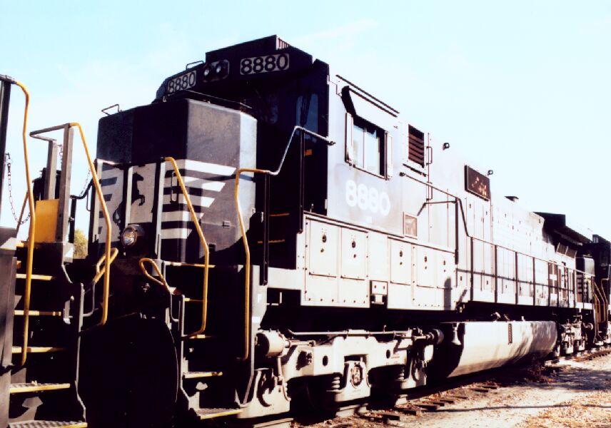 NS 8880