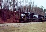 NS 6552 leads a coal train