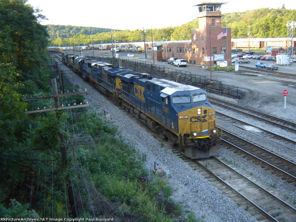 CSX 5361  GE ES44DC Along With 5 Other Units   September 19, 2008