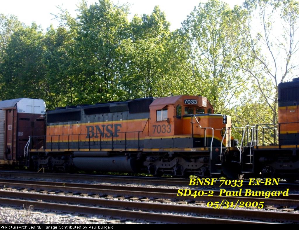 BNSF 7033  Ex-BN  SD40-2  05/31/2005