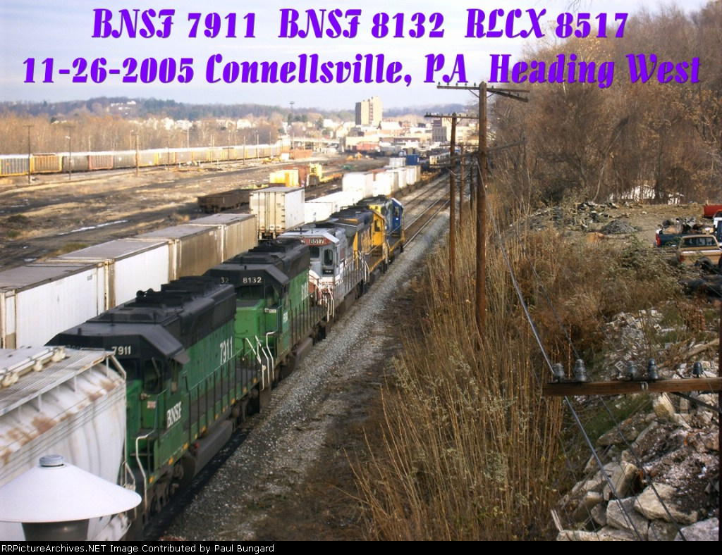BNSF 7911 SD40-2   BNSF 8132  SD40-2   RLCX 8517  B39-8E   11/26/2005