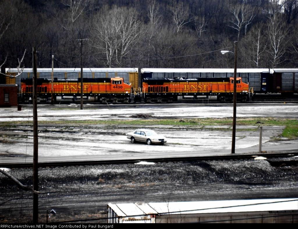 BNSF 4430  C44-9W   BNSF 4133   C44-9W   03/07/2005