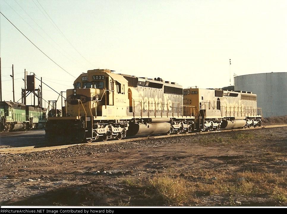 ATSF 5032 and  5510 on the wye at Cherokee Yard