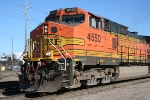 BNSF 4550 crosses North Guthrie Ave