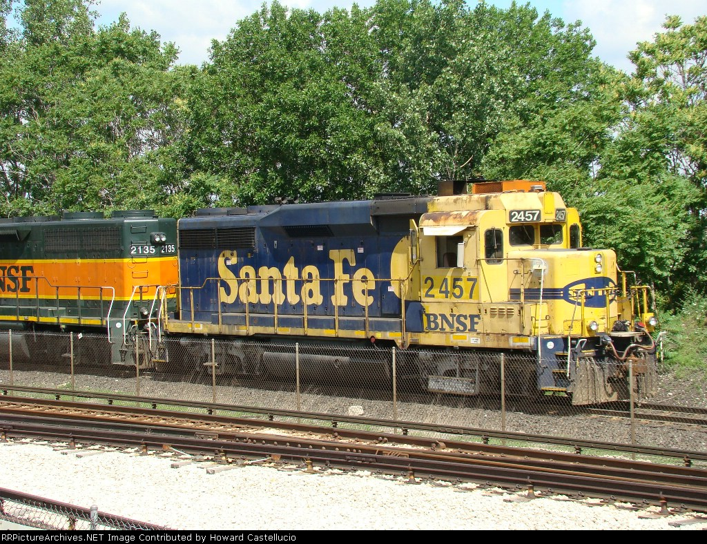 Santa Fe Gp30 at home on the south Corwith hump lead