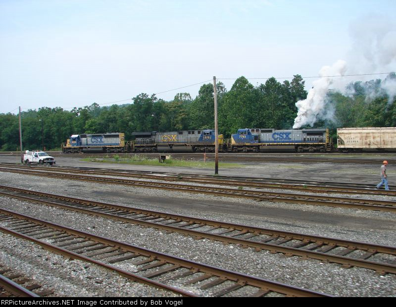 CSX 7793, 676, and 7793
