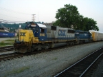 CSX 8542 and HLCX 7195