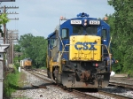 CSX 9243 leads Q335's power as it heads for the house and K908 waits on the other side of Lamar