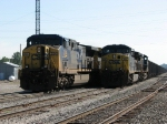 Q335's power pulls out alongside N922 near the west end