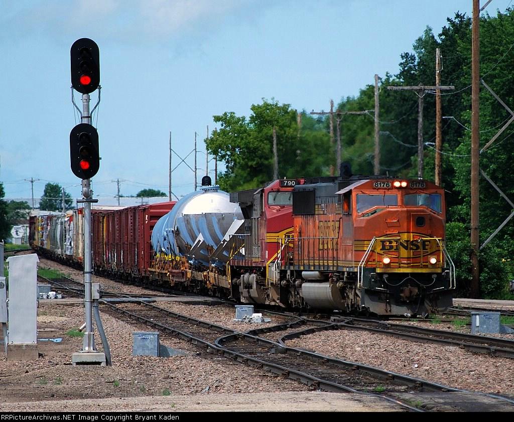 BNSF 8176