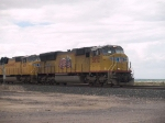 UP 3872 leads an EB manifest at 1:21pm