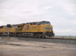 UP 5252 leads an EB doublestack at 1:04pm