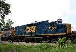 CSX 2364 heads southbound
