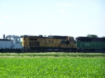 UP 6716 (ex-CNW) Lends a Hand