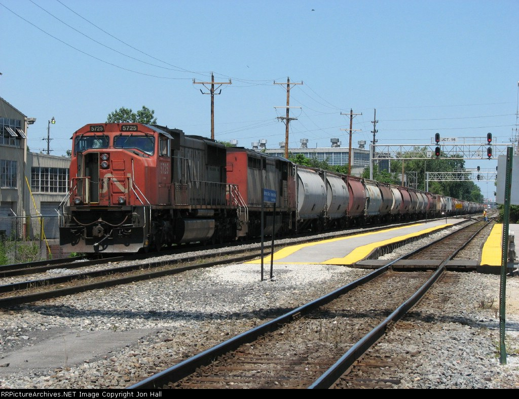 CN 5725 & 2428 wait on the West Freight Lead with a B782 loaded potash train