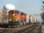 BNSF 4751 & 7447 head west with MBRCGAL
