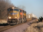 UP 4117 races west on the point of a short intermodal