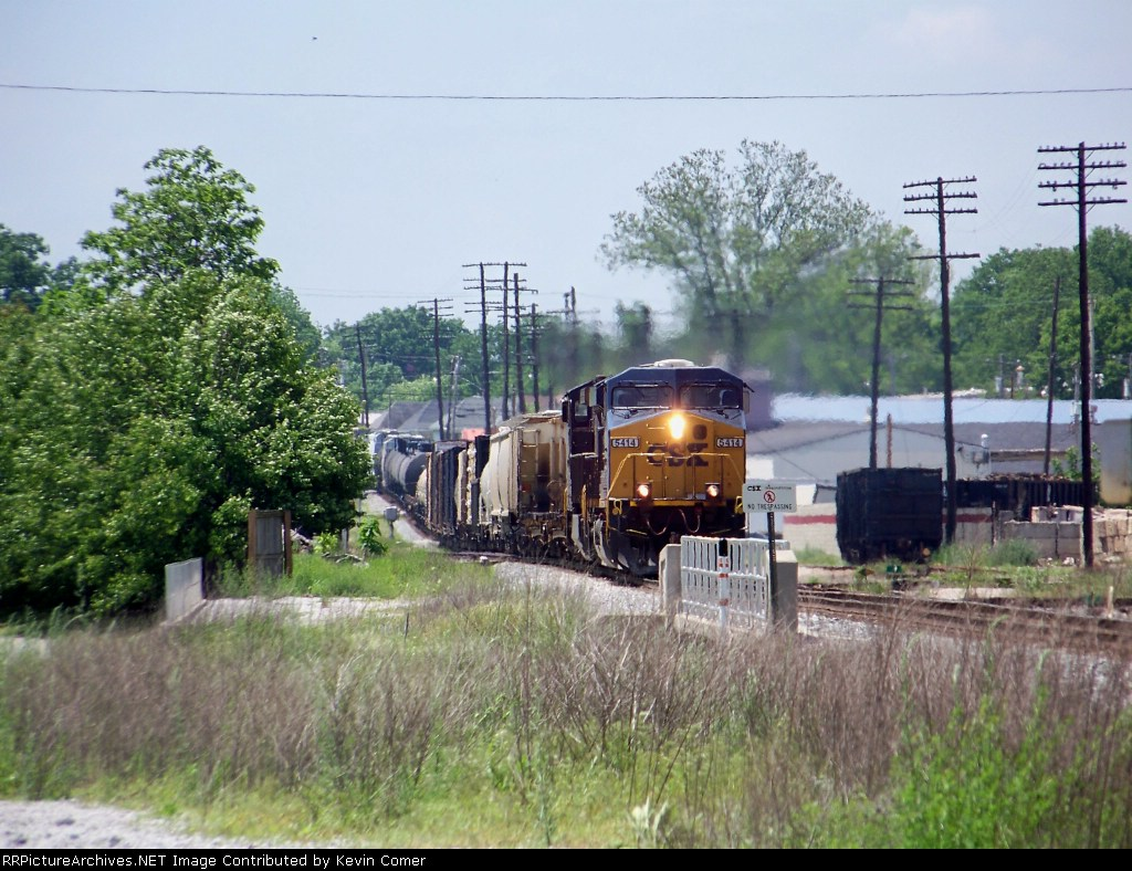 CSX 5414 is northbound toward the 6th street overpass 5/10/08