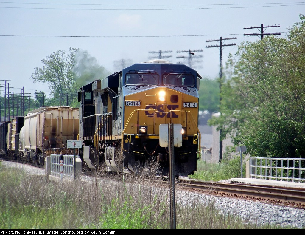 CSX 5414 has reached the 6th street overpass northbound 5/10/2008