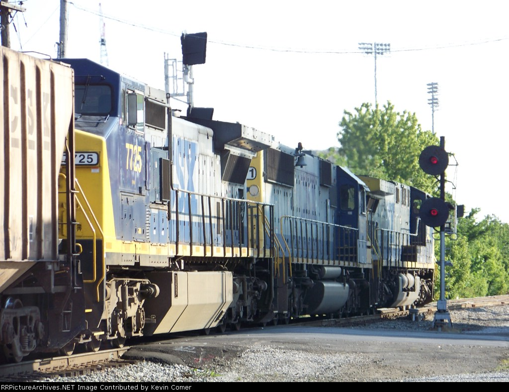 CSX 518, CSX 8571, CSX 7725 lead G774 southbound across Morgantown Road 7/2/08