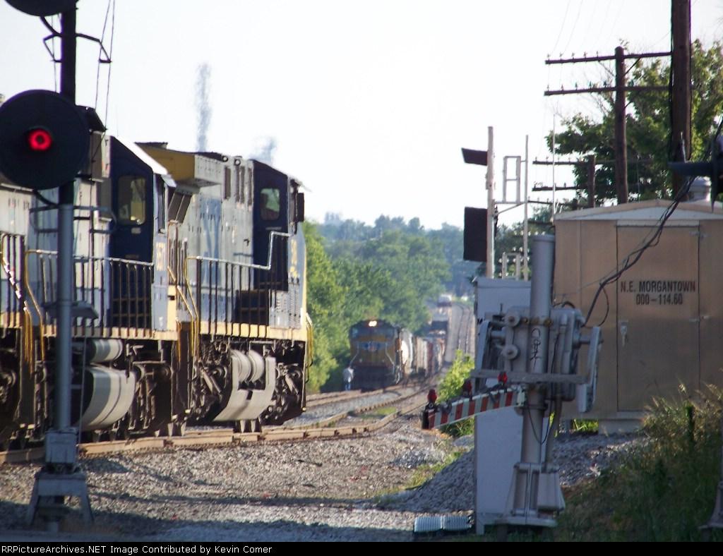 CSX 518 leads G774 southbound unit grain into Morgantown siding 7/2/08