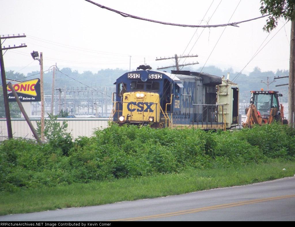 CSX B30-7 5512 leads a MOW train south toward Emmitt Drive 7/18/08