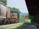 CSX 5414, 9033 head northbound toward the Barren River Bridge 5/10/08