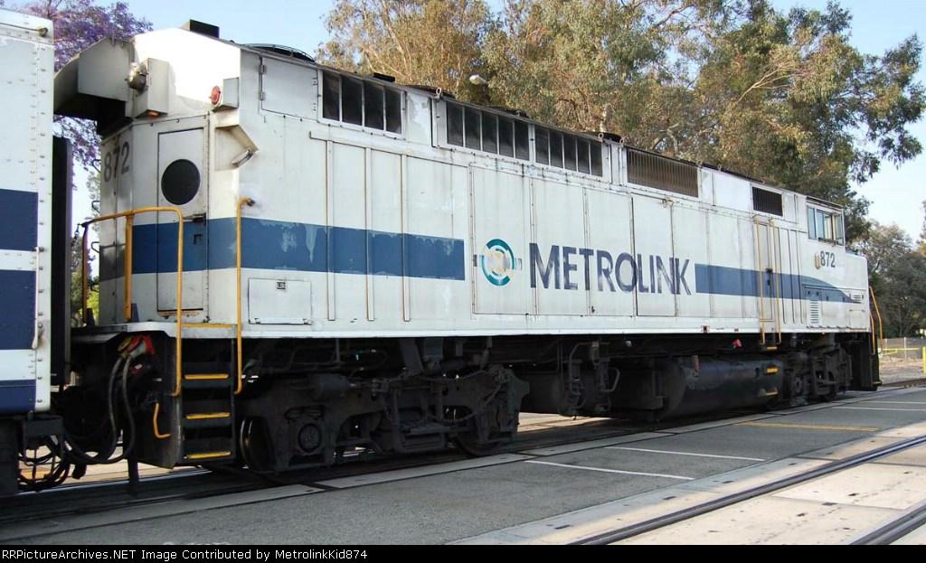 Roster shot of Metrolink F59PH 872