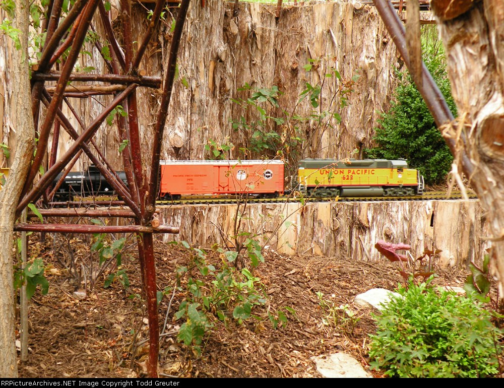 Lauritzen Garden Train
