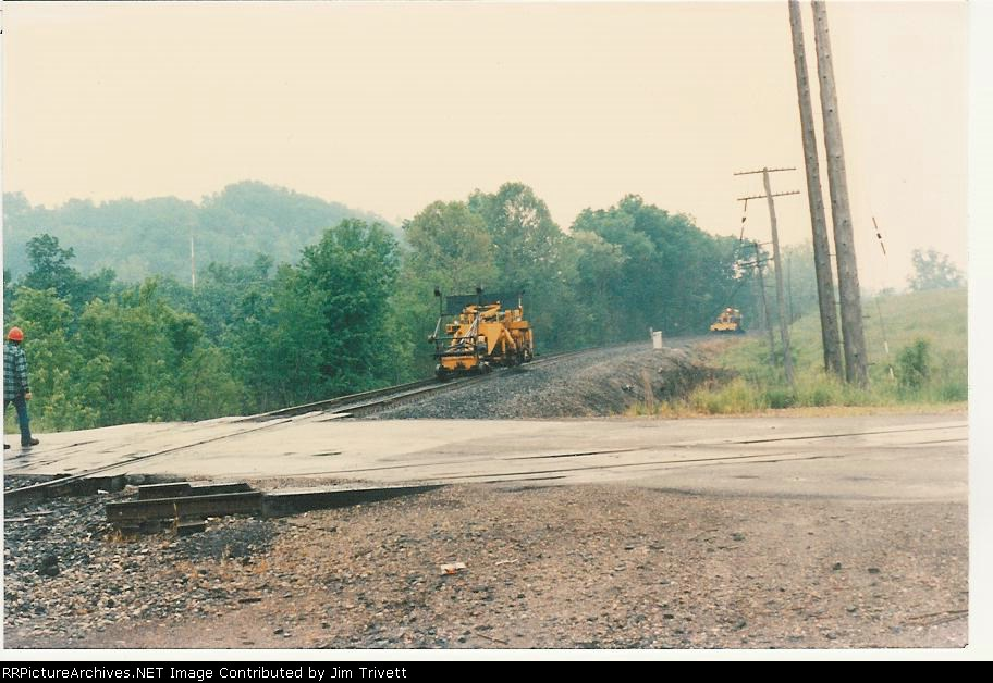 Conrail MOW forces work on the Secondary, things look a lot worse for the B&O St Louis main
