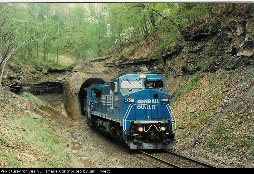 CR 6204 leads a coal drag through Moxahala Tunnel