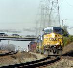 CSXT 586 Leads CSX Q401-06