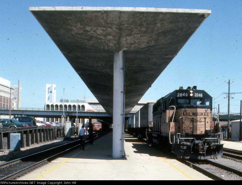 """1302-19 1984 Skytop """"Cedar Rapids"""" ride St. Paul to Milwaukee"""