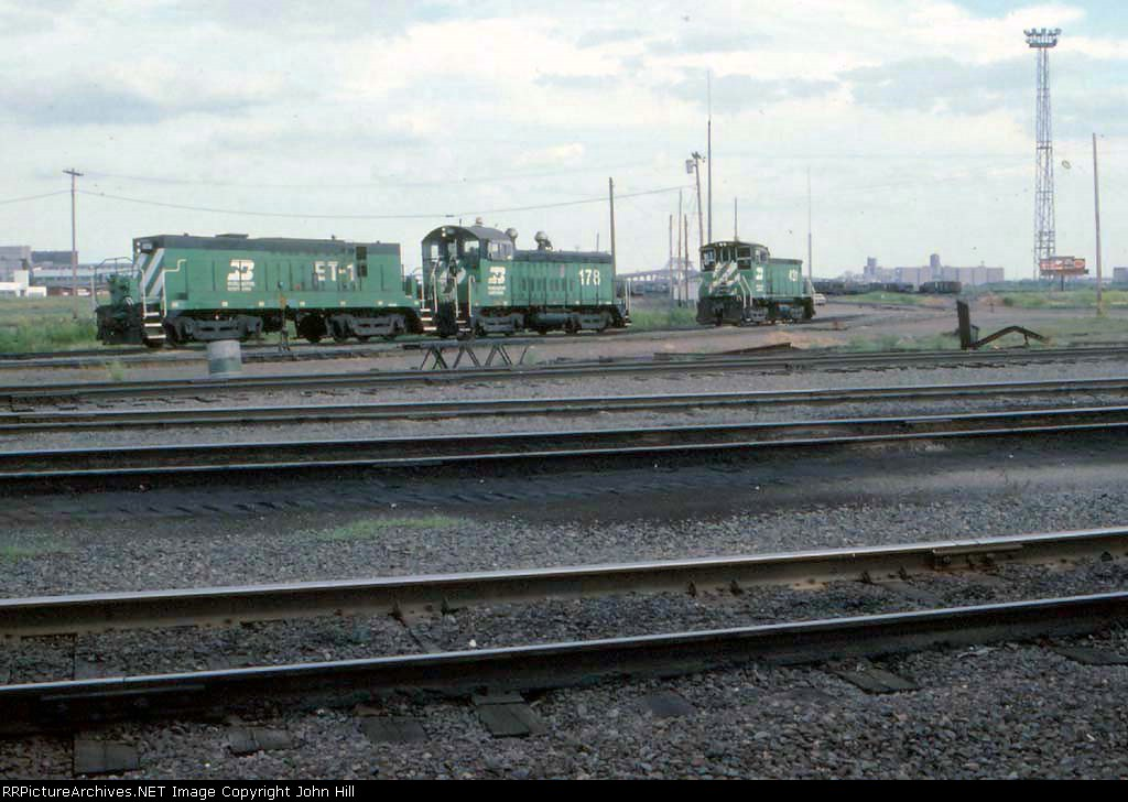 1296-17 BN Rices Point Yard