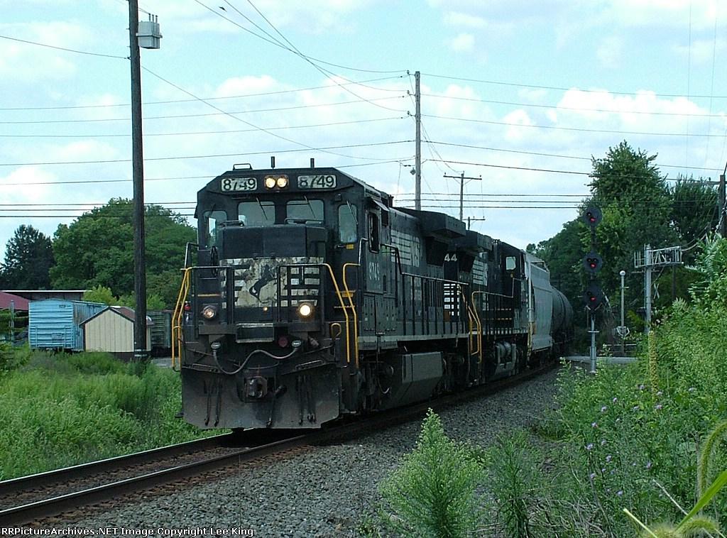 NS 8749 M9G