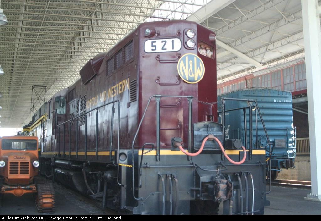 NW 521