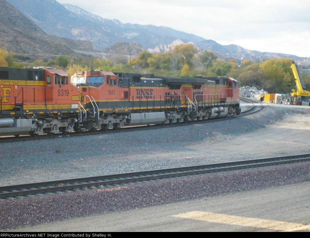 BNSF engines turning up to get to the top