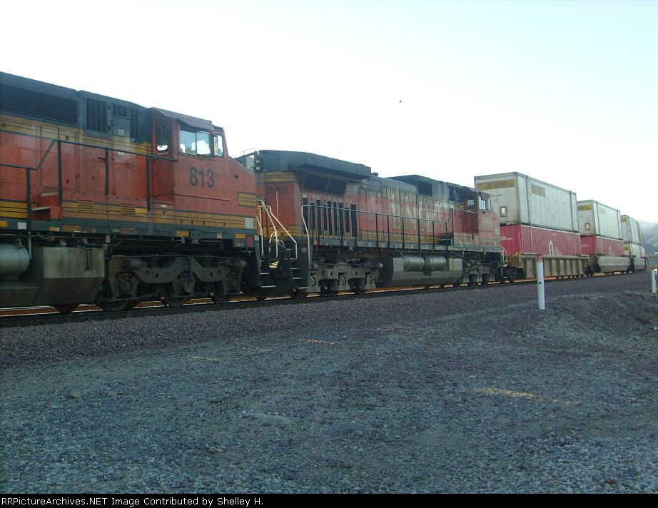 BNSF 813 passing by
