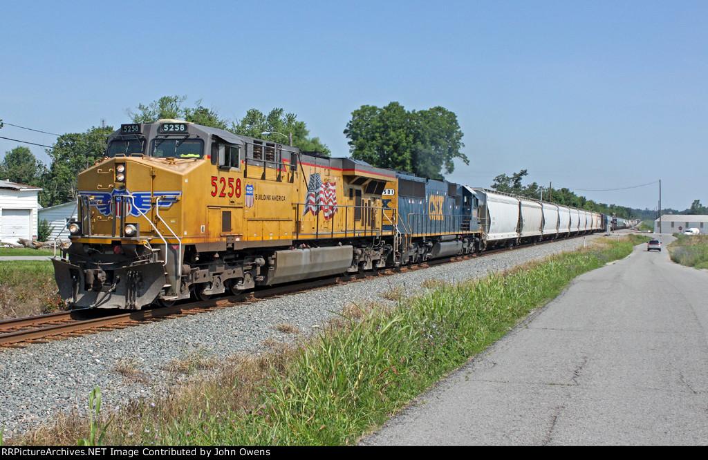 UP 5258/CSXT Q573