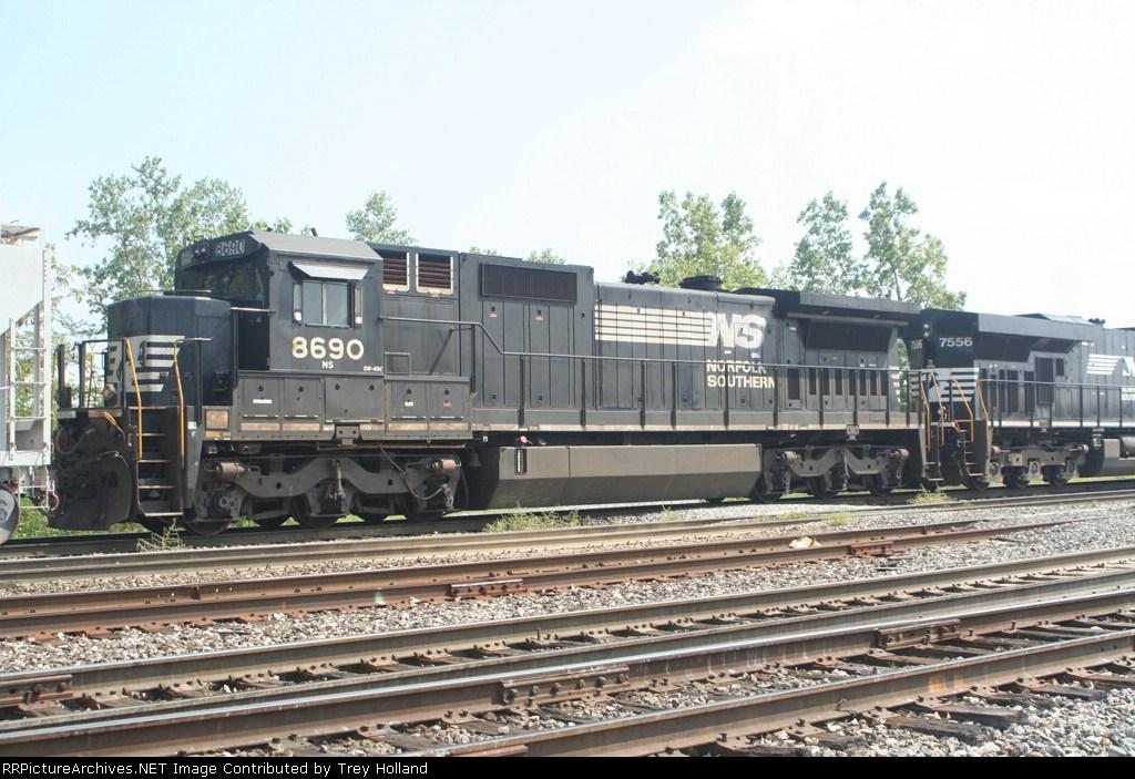 NS 8690