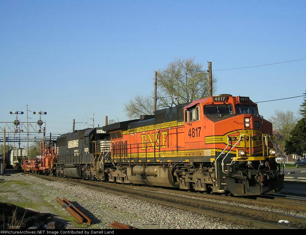 BNSF 4817 On NS 175 Eastbound
