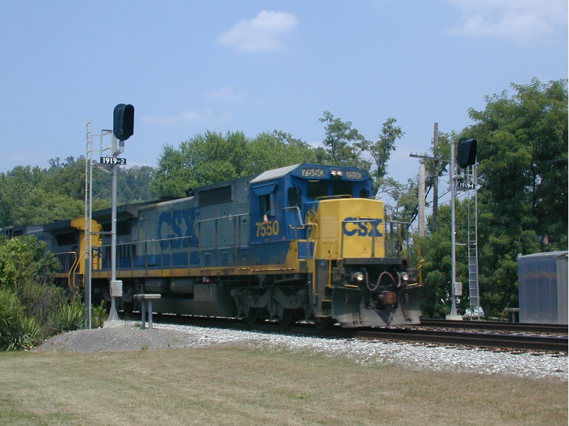 Eastbound CSX freight with GE's