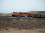 BNSF 5486 heading for the mountains