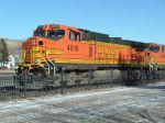 BNSF 4816 awaiting the green light