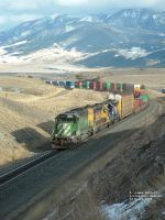 BNSF 8052 moving uphill