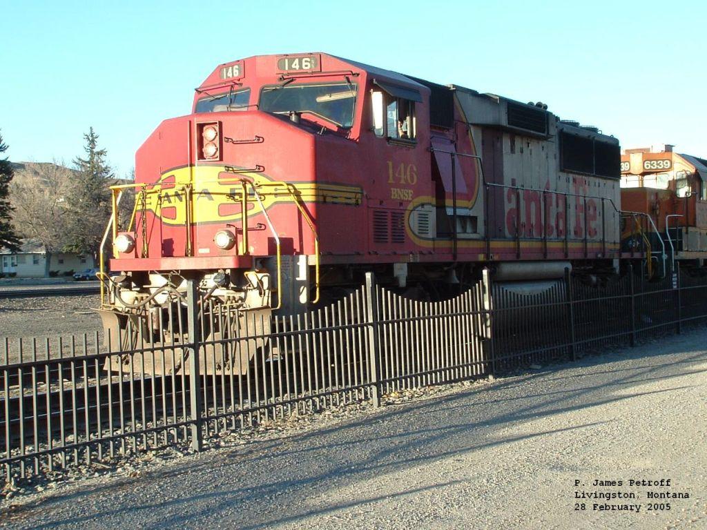 BNSF 146 GP60M
